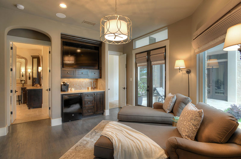 123-Greystone-Point-Boerne-TX-large-022-Master-Bedroom-Sitting-Room-1500x991-72dpi