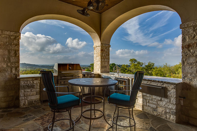 22-Summit-Point-Boerne-TX-large-062-63-Patio-1500x1000-72dpi