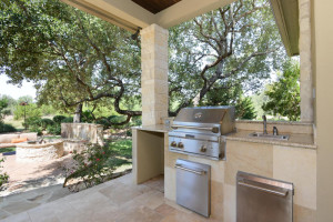 84 River Crossing Boerne TX-large-031-Outdoor Kitchen-1487x1000-72dpi